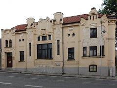 Budovu dnes vlastní Josef Nouza. Celou ji opravil a nyní plánuje její využití. Prodávat ji nehodlá.