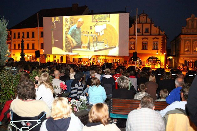 Kino na táborském Žižkově náměstí.