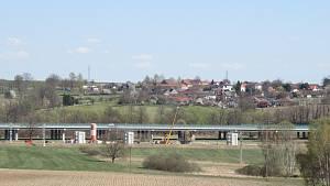 Stavbu koridoru mezi Soběslaví a Doubím virus nebrzdí