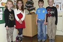 PRVŇÁČCI. Viktorie, Karolína, Tadeáš a Tomáš ze Základní školy Blatské Sídliště.