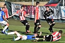 Průběh fotbalové bitvy FC MAS Táborsko vs. Viktoria Žižkov.