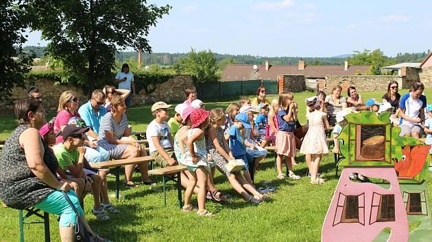 Vokule nabídlo v pátek a sobotu mladovožickým divákům divadlo i hudbu.