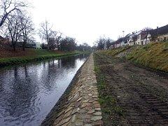Nově opravené koryto Nežárky vyšlo Povodí Vltavy na šest milionů. V lednu se pustí do stavby protipovodňových bariér za 150 milionů.