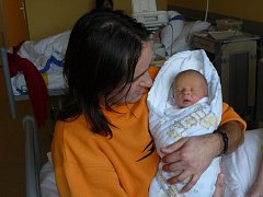 ONDŘEJ VYČIHLO ZE SEZIMOVA ÚSTÍ.  Prvorozený syn rodičů Ivety a Leoše se narodil 31. prosince v 16 hodin. Vážil 2740 g a měřil 49 cm.