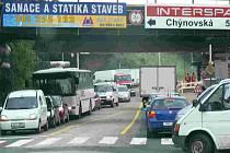 Hustá doprava u Černých mostů v Táboře (ilustrační foto)