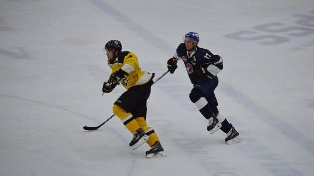 První vzájemné střetnutí na táborském ledě vyhráli Táborští 3:1, nyní je velkým favoritem zápasu jejich soupeř.