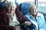 Stěhování seniorů do nového domova v Bechyni.