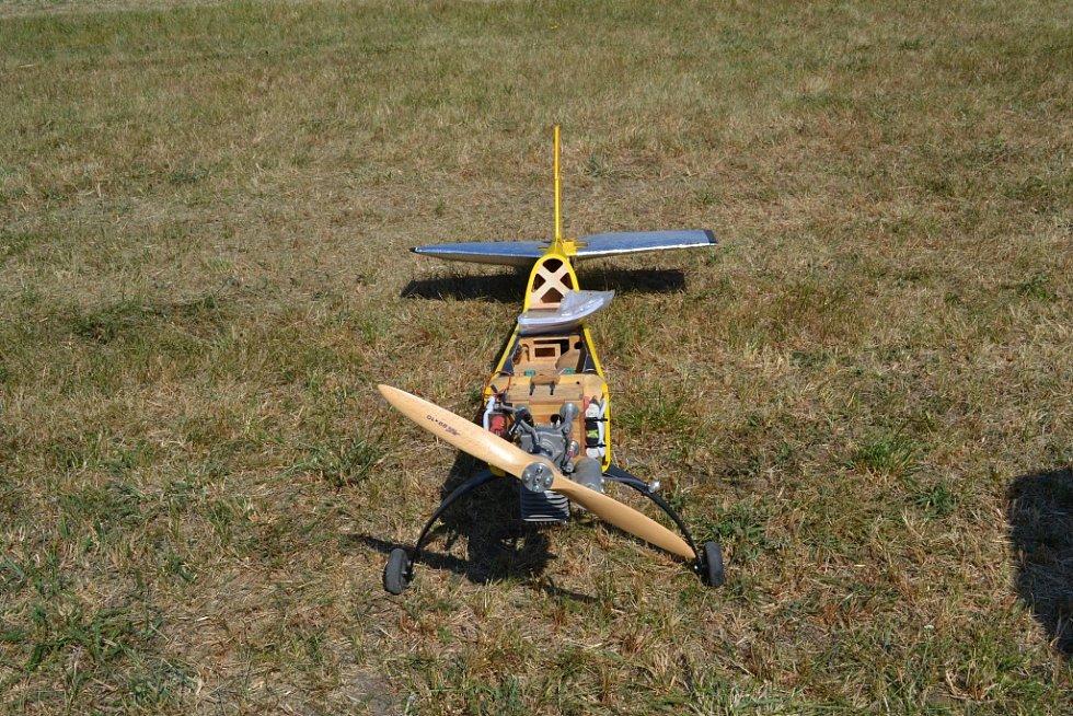Plánští modeláři provětrali letadla