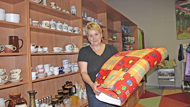 Věra Šimková představuje dobročinný obchod pro hospic Jordán