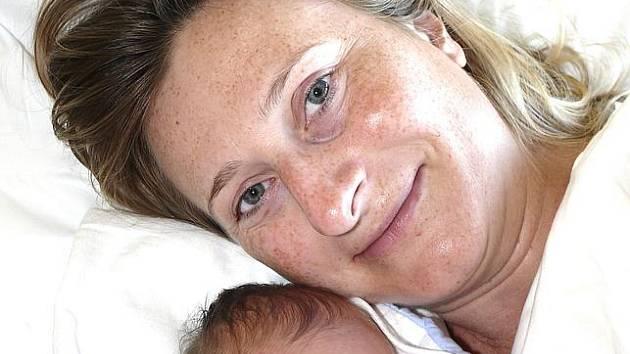 NATÁLIE PYTELKOVÁ Z TÁBORA.  Prvorozená dcera rodičů Radky a Ladislava se narodila 3. října ve 13.32 hodin. Vážila 2820 g a  měřila 49 cm.