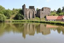 Zřícenina hradu Borotín.
