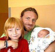 LUKÁŠ ŠEDIVÝ Z TÁBORA. Je bráškou čtyřletého Petra a na svět přišel 16. září ve 13.46 hodin. Vážil 2750 g a měřil 48 cm.
