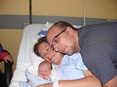 LUKÁŠ KOLLMANN ZE SEZIMOVA ÚSTÍ.  Rodičům se  narodil 29. října. Vážil 2690 g a  měřil 48 cm.