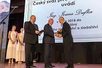 Slavnostní uvedení Ivana Dufka do síně slávy v Praze.