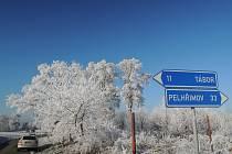 Zimní krajina v okolí Chýnova.