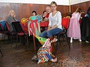 V neděli odpoledne se v sále mladovožického hotelu Záložna konal maškarní rej.