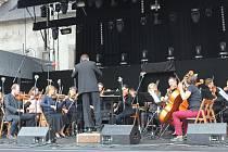 Táborský symfonický orchestr Bolech představil v sobotu odpoledne  v rámci Táborských setkání řadu filmových melodií.