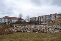 Stavbě domu s pečovatelskou službou ustoupila nevyužívaná školka.