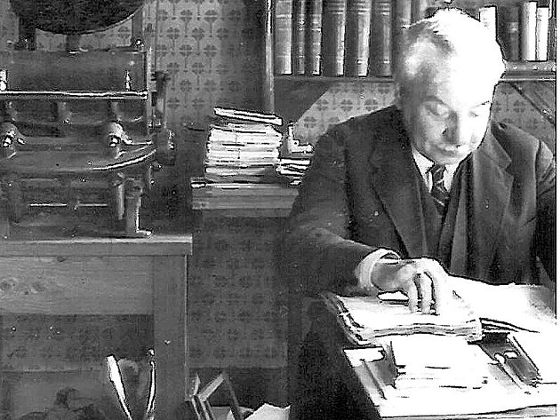 Spisovatel a historik Richard Hrdlička ve své tiskárně Autografia v domě na Budějovické ulici.