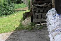 Dům v Bechyni  chrání hradba z pytlů
