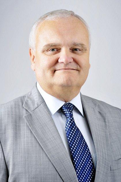 ODS: Ing. FRANTIŠEK DĚDIČ (51) investiční technik ze Svaté Anny zMěšic dvě volební období byl starostou města, od roku 2010poprvé sODS vopozici voliči mu dali 885hlasů.