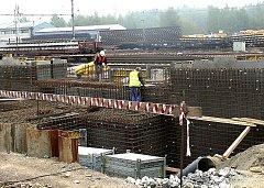 KORIDOR. Stavbaři při realizaci železničního koridoru.
