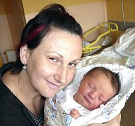 TEREZA ŠTÍCHOVÁ Z TÁBORA. První  dcera rodičů Evy a Petra přišla na svět 25. května ve 20.46 hodin. Vážila 3900 g a měřila 50 cm.