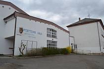 Zázemí poskytla i sportovní hala.