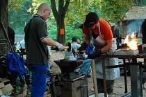 Na Šelmberku se počtvrté sešli amatérští kováři.