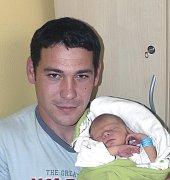 DAVID PEKAŘ Z PLANÉ NAD LUŽNICÍ. První syn rodičů Zdeňky a Martina se narodil 21. října v 11.40 hodin. Vážil 2850 g, měřil 47 cm.
