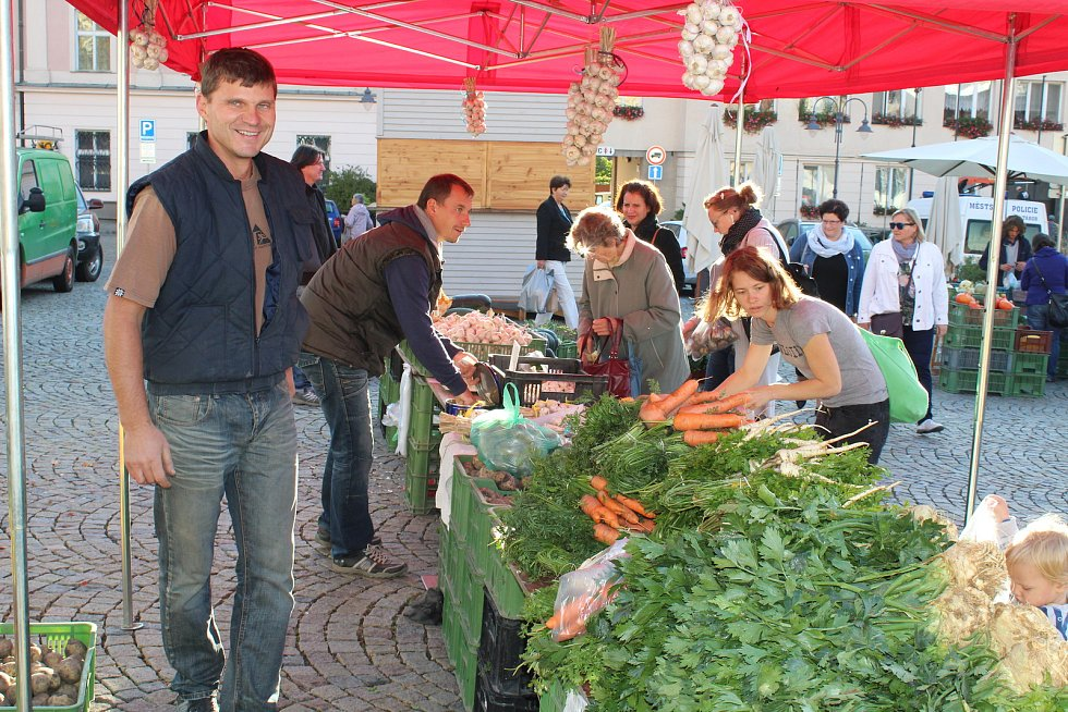 Farmářské trhy se v Táboře konají ve středu na Žižkově náměstí.