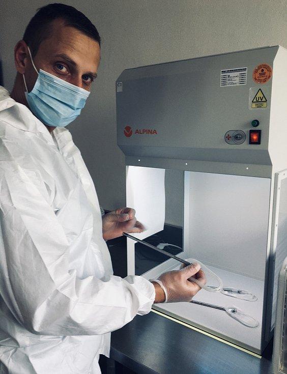 Novou naději pro nemocné rakovinou přináší přístroj vyvinutý vSoběslavi.
