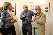 V úterý večer představila Galerie Malšice litografie výtvarníka Vlastimila Soboty, Průřez jeho dílem, v němž mají zastoupení i ex libris, tu bude k vidění do pátého května.