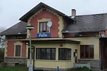 Romanticky vyhlížející budova je pro cestující uzavřena. Po zavření je v soukromých rukou.
