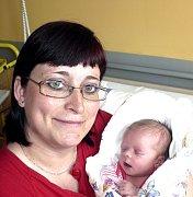 ELIŠKA POSLUŠNÁ Z BECHYNĚ. Je sestřičkou čtyřletého Davídka a narodila se 25. května v 18.14 hodin. Vážila 3130 g, měřila 47 cm.