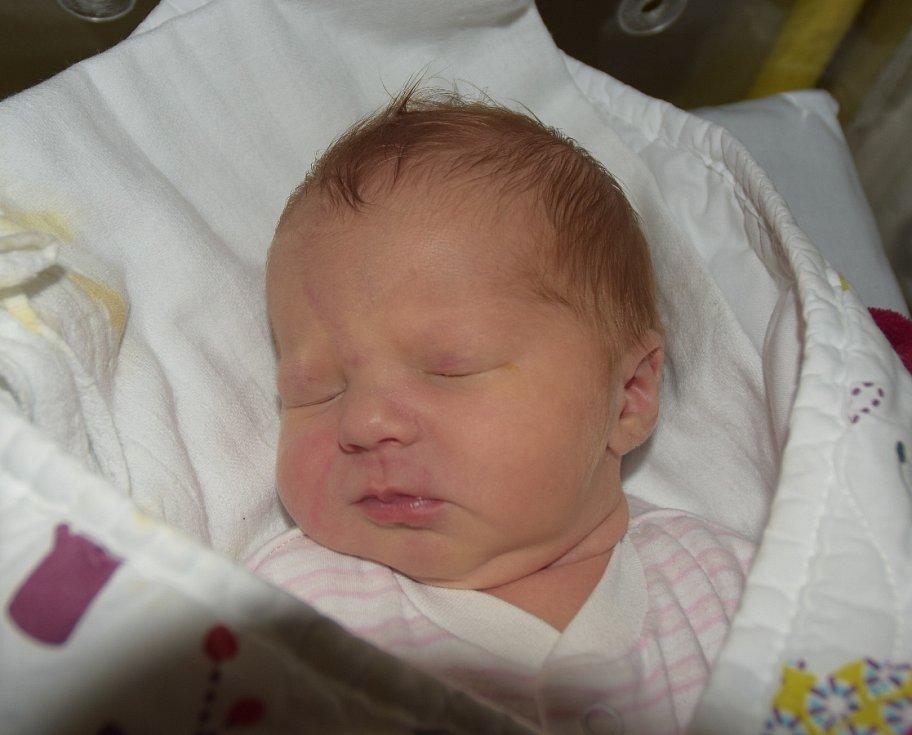 Laura Pilařová z Tábora. Narodila se 7. října pět minut po šesté hodině. Vážila 3110 gramů, měřila rovných 50 cm a má sestřičku Magdalénu, které je dva a tři čtvrtě roku.