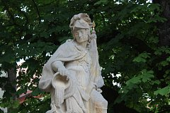 Socha sv. Floriána v Táboře, kterou poškodil vandal.