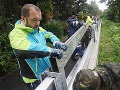 Ilustrační foto. Stavba protipovodňových opatření.