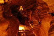 Chýnovská jeskyně byla v republice první zpřístupněnou jeskyní pro veřejnost.