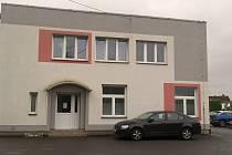 Plně vybavená ordinace včetně rentgenu v chýnovském zdravotnickém středisku čeká přes rok na nového stomatologa.