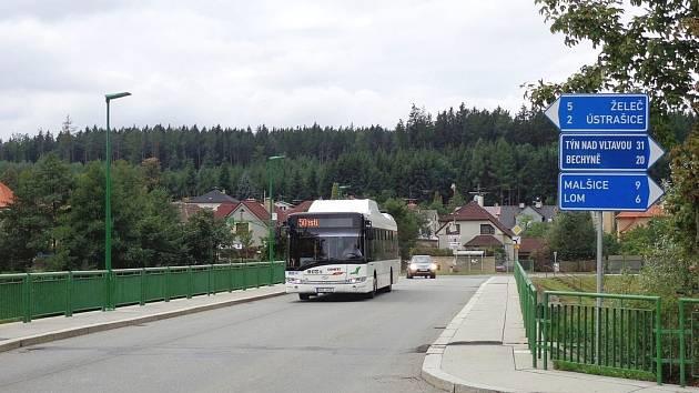 Most přes Lužnici v Plané.