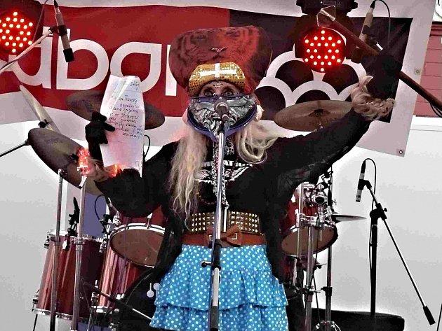 Jana Kratochvílová začala husitským chorálem.
