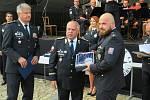 Dvaatřicetiletý Vladimír Smolík ze služby kriminální policie a vyšetřování územního odboru Tábor v policejním sboru pracuje 13. rokem, za darování kostní dřeně získal cenu Policista roku 2020 v kategorii Čin roku.