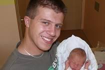 LAURA ČERNÁ Z BUDISLAVI. Narodila se 10. srpna ve 12.20 hodin jako první dítě rodičů Martiny a Davida. Vážila 3020 g a měřila 46 cm.