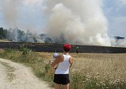 Na Táborku hořelo pole.