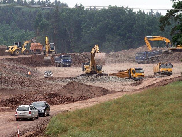 Z výstavby jihočeské dálnice.