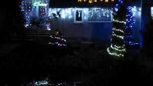 Vánoční výzdoba domu v Plané nad Lužnicí