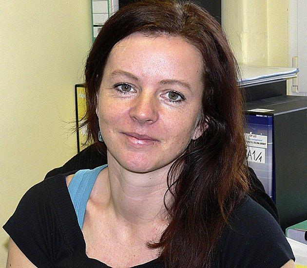V KANCELÁŘI. Projektová manažerka Radka Rybáková z táborského Fokusu, který pomohl najít práci 15 lidem s duševním onemocněním.