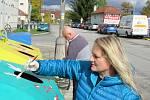 Projekt GraffitEko, díky kterému soběslavští žáci zkrášlují městské kontejnery, pokračuje i tento rok. Maluje se potřetí. Děti zdobí kontejnery u nádraží, zbývá už jen poslední.