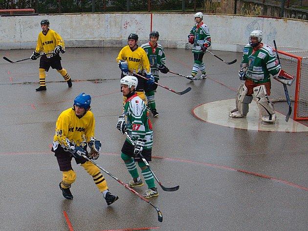 Hokejbal v Táboře.